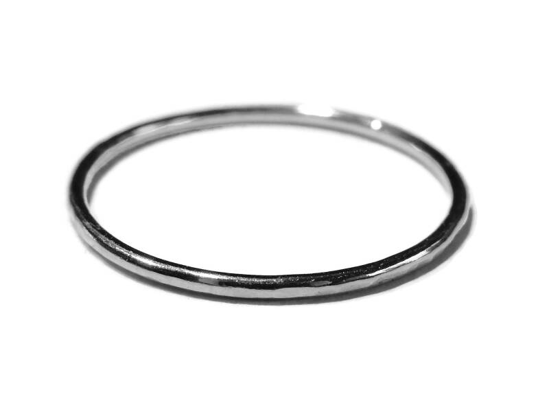 stackring silver 1 mm hammered RSS2