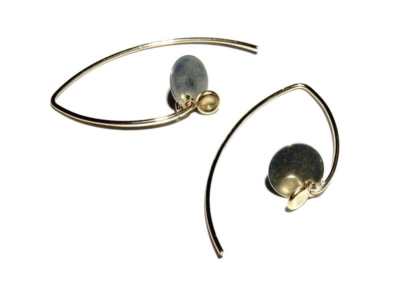 earrings flattened ball on silver disc E1119