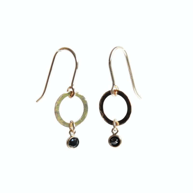 earrings Luc with black CZ on hammered ring EL1066