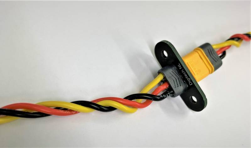 MR30 Male and Female Connector incl fuse mount and servo lead JR DIS