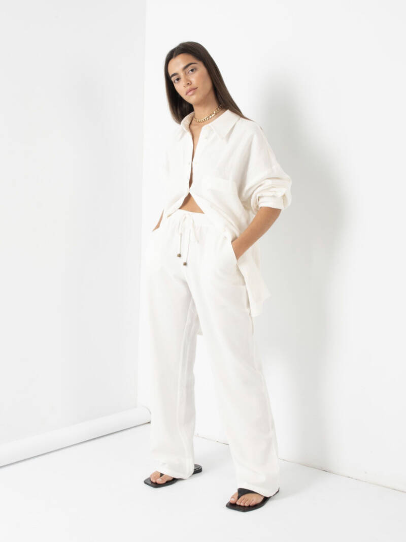 TROUSERS WITH LINEN