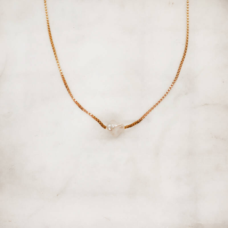 Nora pearl necklace