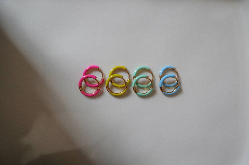 Color earring
