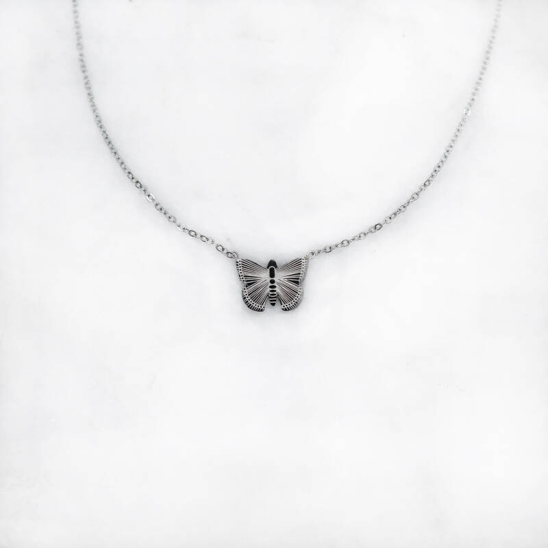 Butterfly necklace zilver