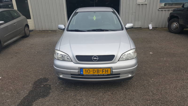 OPEL ASTRA 1.6 5DRS