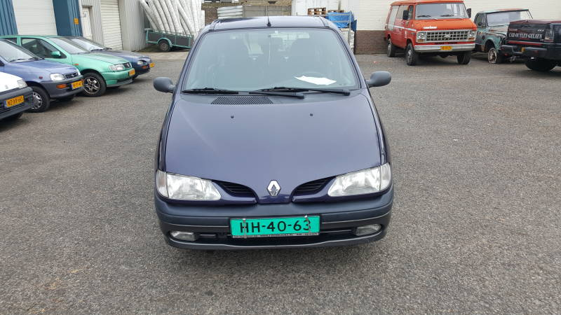 RENAULT SCENIC AUTOMAAT