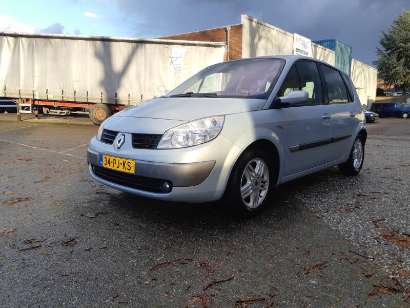 RENAULT SCENIC AUTOMAAT 2.0 16V