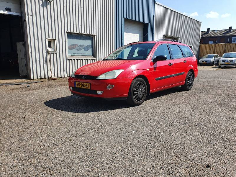 FORD FOCUS 2.0L WAGON GHIA