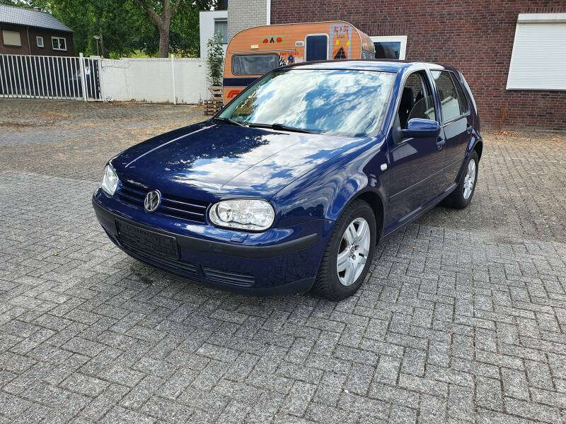 VW GOLF IV 1.6 FSI 145DKM