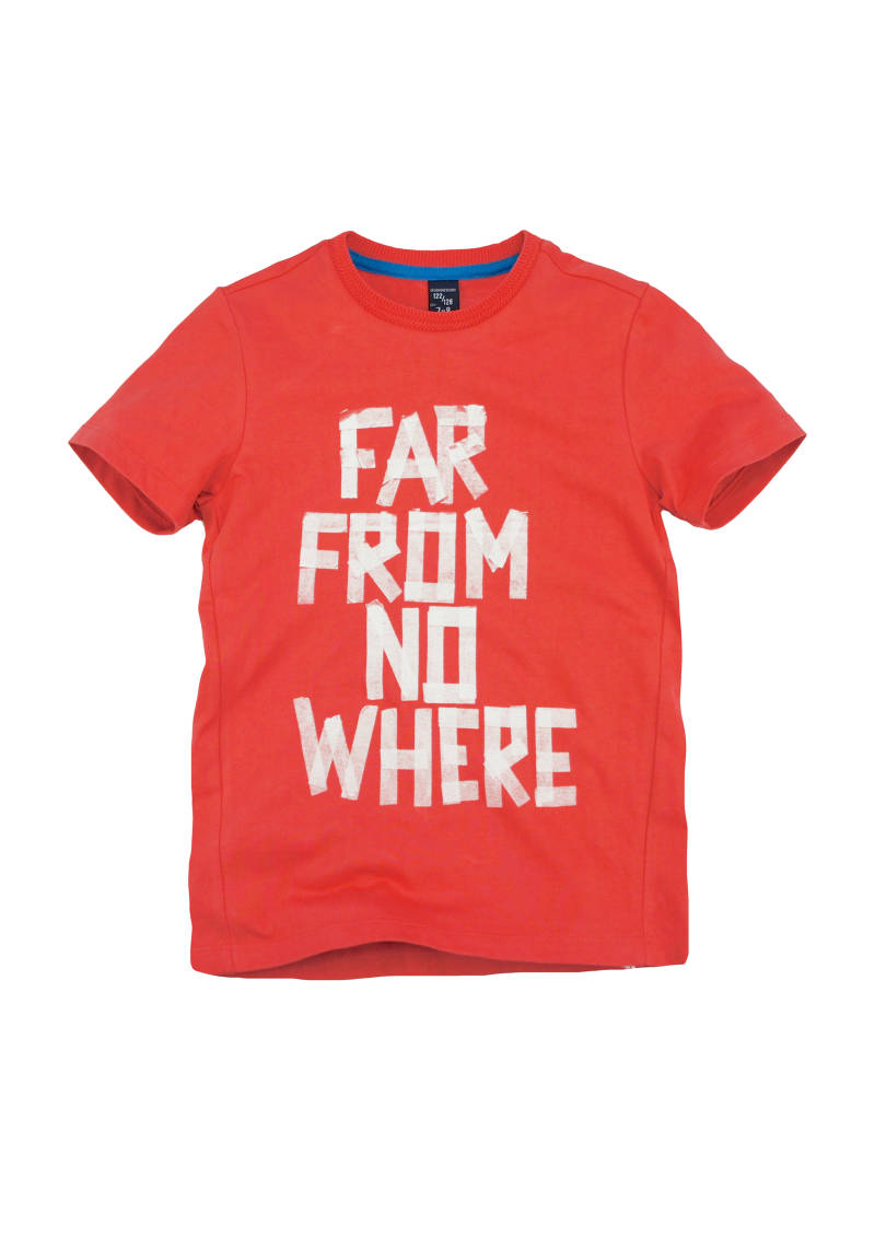 "T-shirt ""Far from no where"" - Rood 717"
