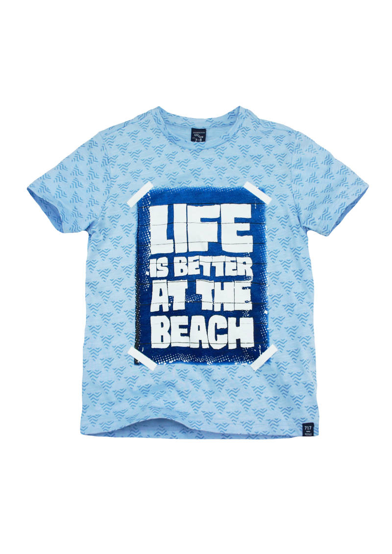 "T-shirt ""Life is better at the beach"" - Licht blauw 717"