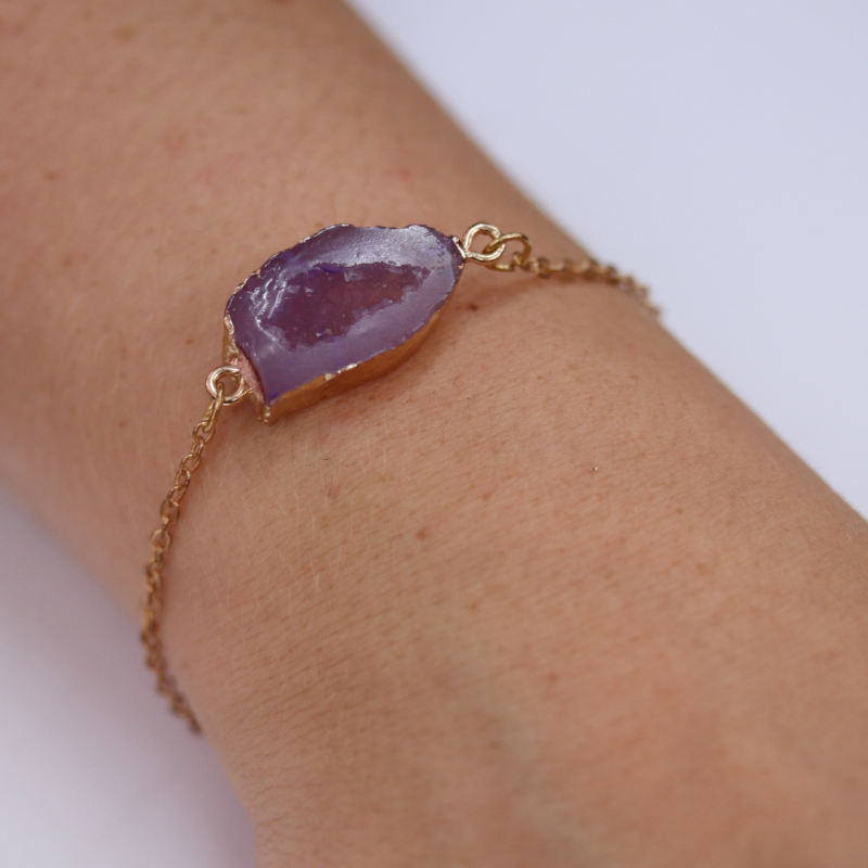 Armband paarse steen