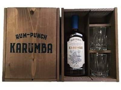 Rum punch in wooden box