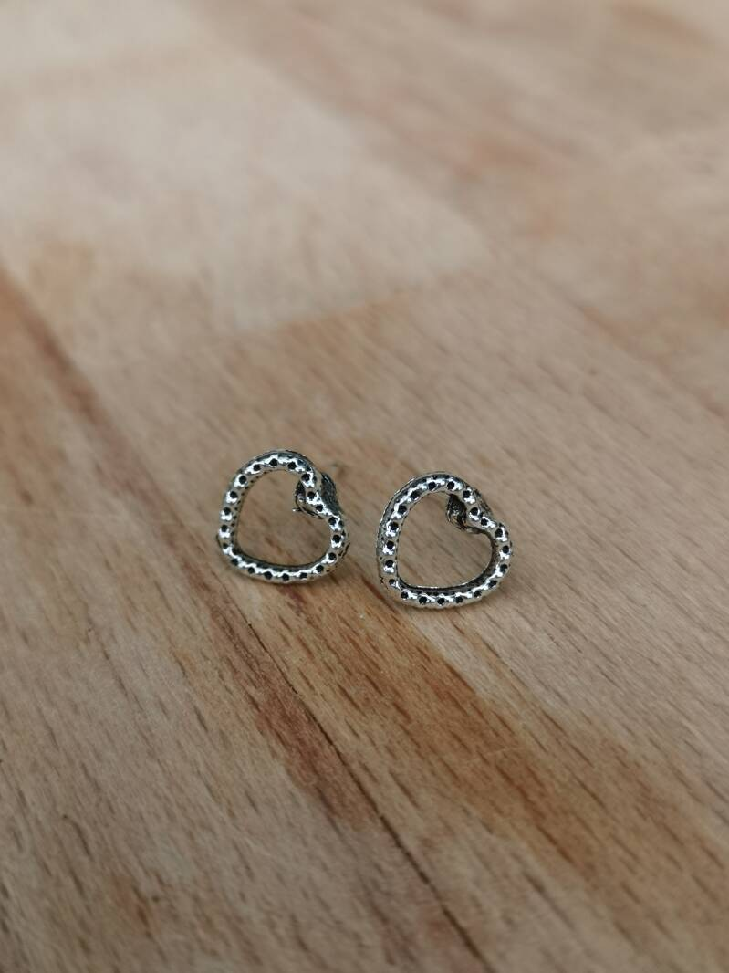 "Studs ""hart"" silver plated"