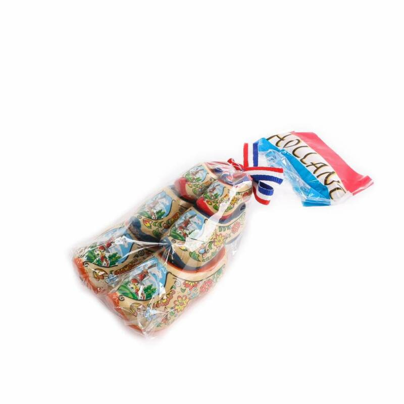Giftbag with 3 wooden shoes: red-blue-varnished
