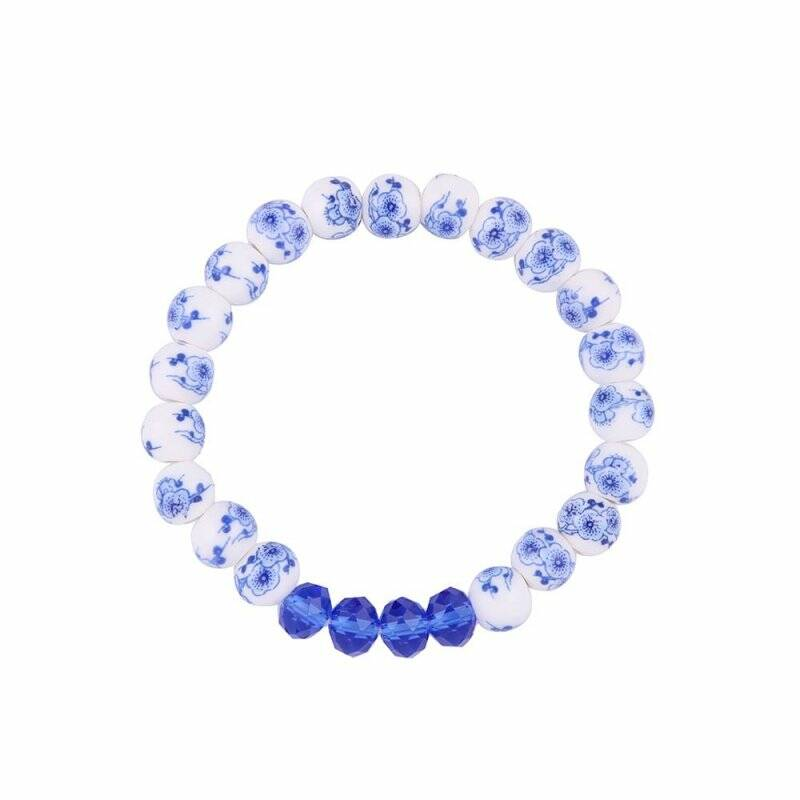 Bracelet flowers and blue beads