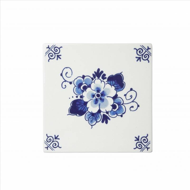 Delft blue tile flower
