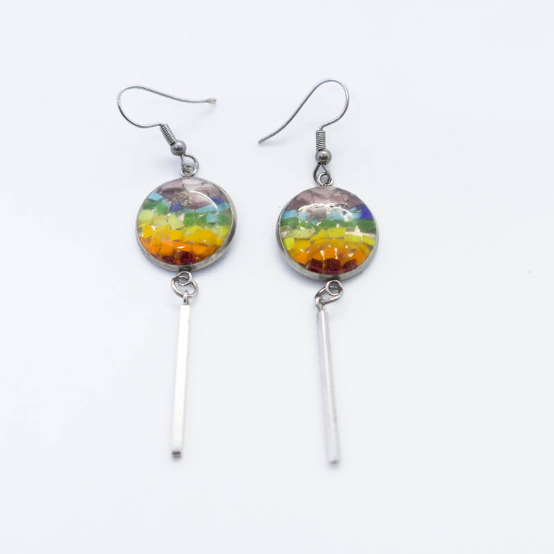 Oorbellen in regenboogkleuren - Dangle and drop earrings in rainbow colors