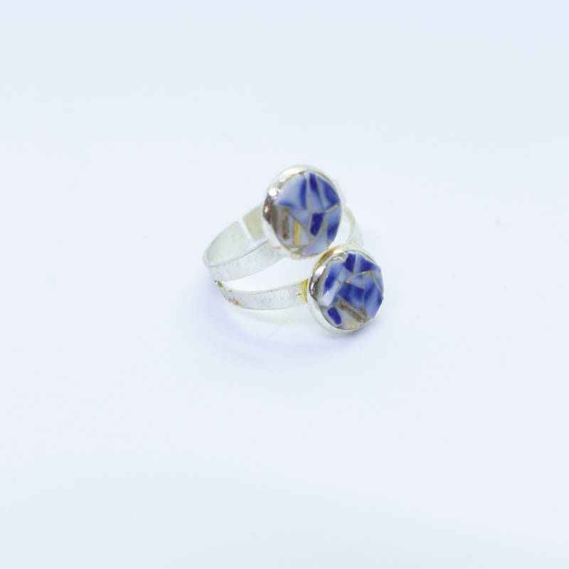 Verzilverde ring blauw/wit (klein) - Silver plated ring in blue and white (small)