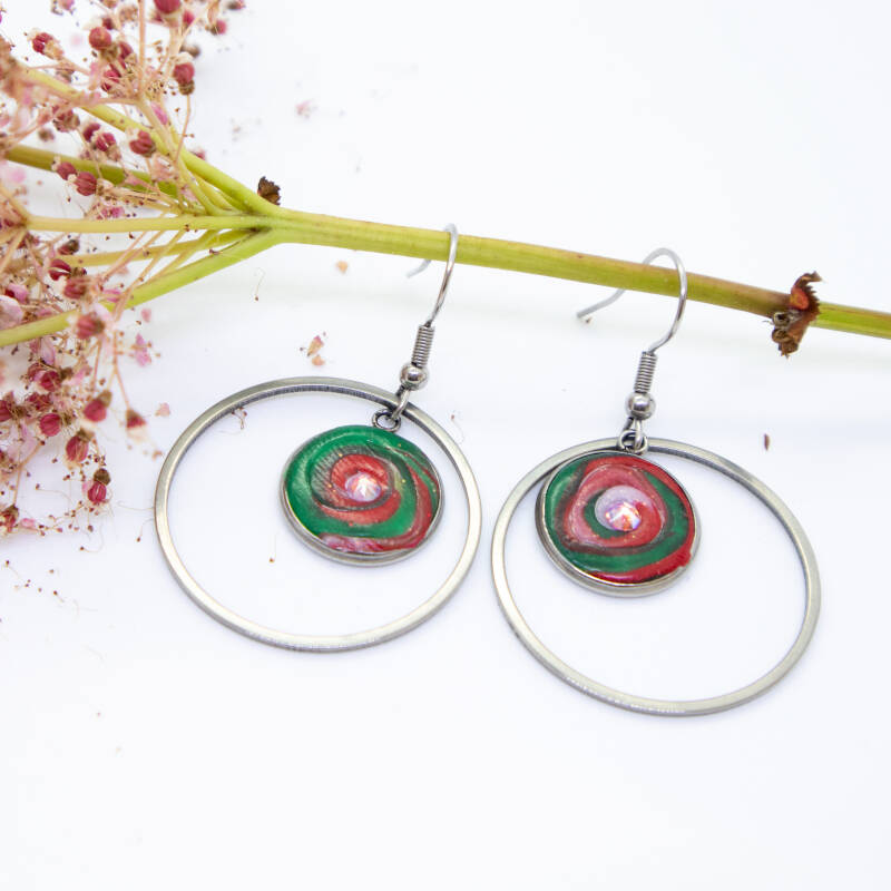 Oorbellen rood/groen - Dangle and drop earrings in red and green