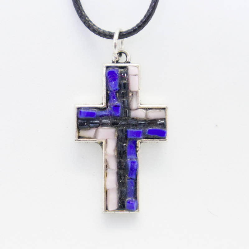 Kruisje in blauw en roze - Cross pendant in blue and pink