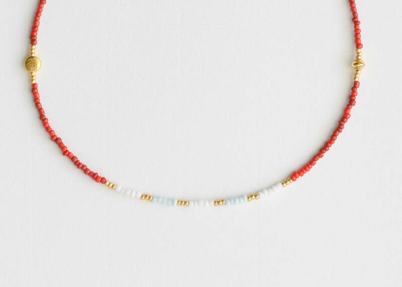 Red mixed pearls necklace