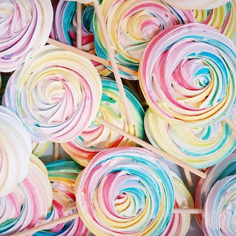 Meringue lollies