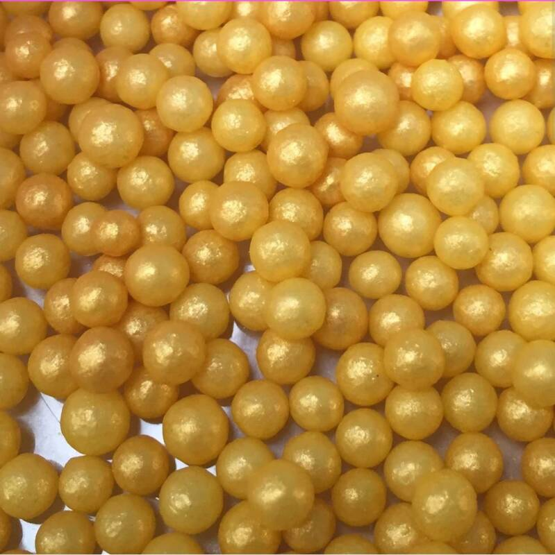 Pearls gold glimmer