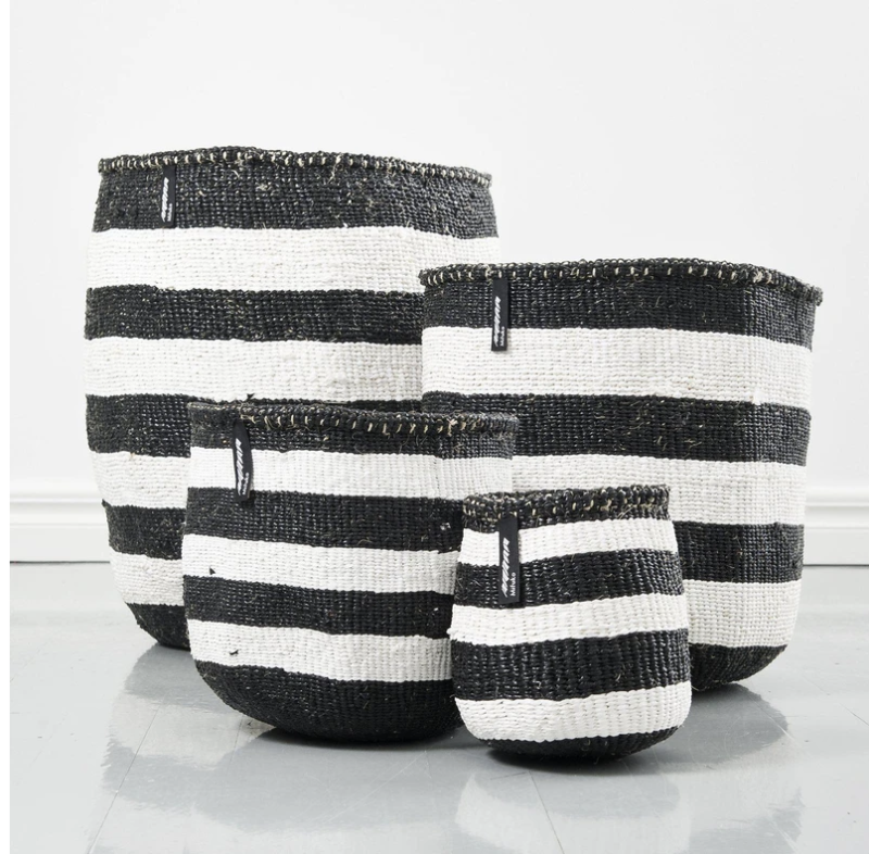BASKET WITH THICK WHITE AND BLACK STRIPES XS-L