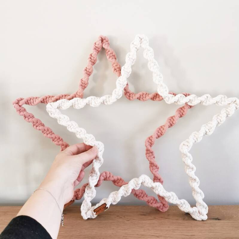 Do It Yourself (DIY) Macrame ster