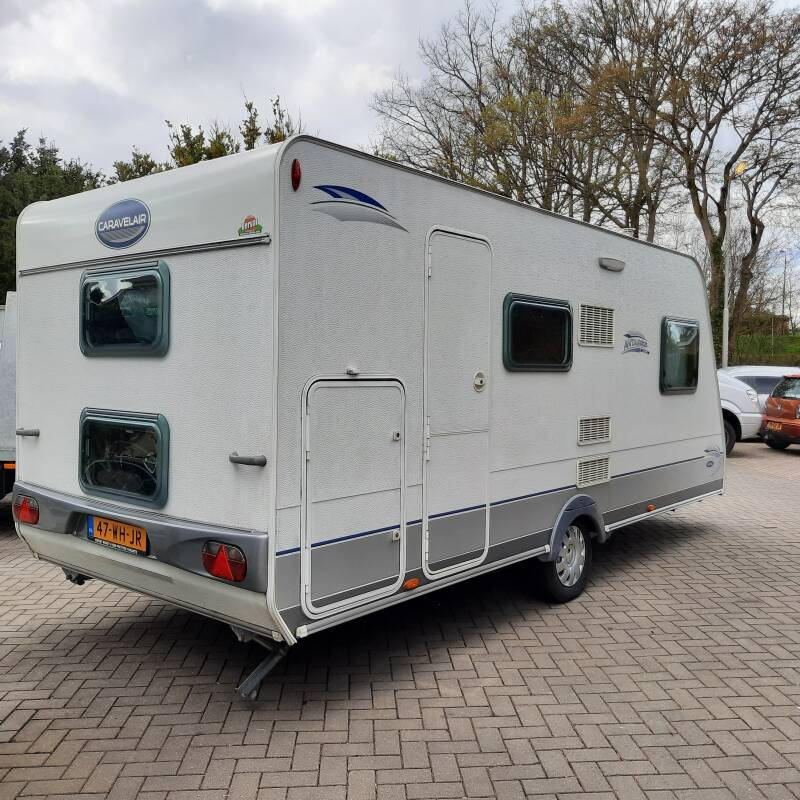 Caravelair Antares Luxe 486 met stapelbed (4-6 persoons)