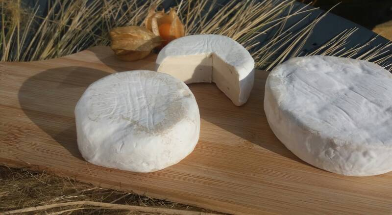 """Cashew Nut """"Not - Brie"""" Delivery in DEAL -WHITSTABLE - Whole Cheeze (280g e)"""