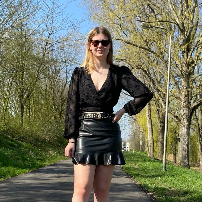 LIEKE SKIRT BLACK
