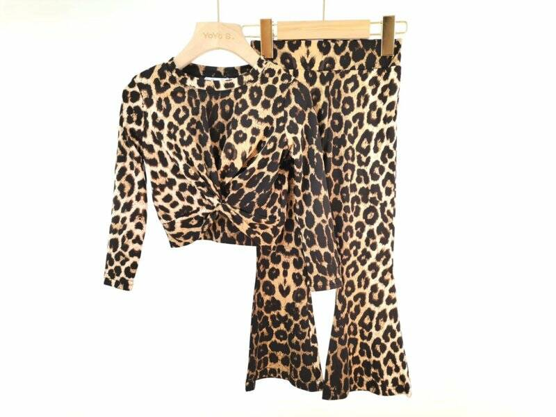 Leopard flaired set