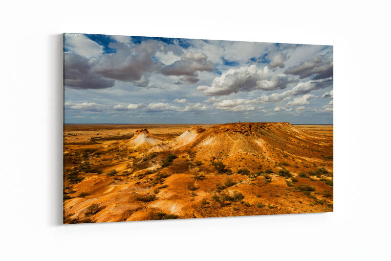 Colourful mesas of the Breakaways in the desert of Coober Pedy