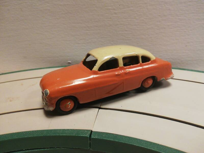53#421 dinky toy Ford vedette diecast model