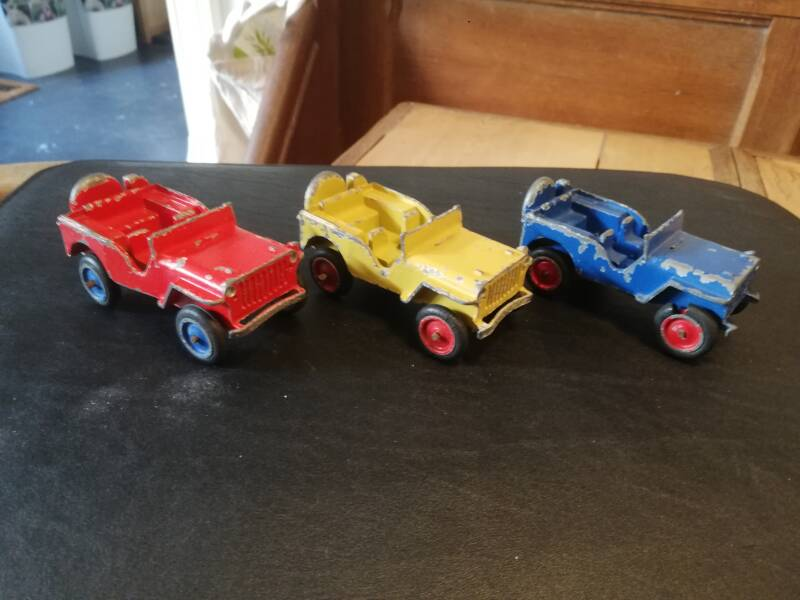 57#538. Model jeep 3x sep toy