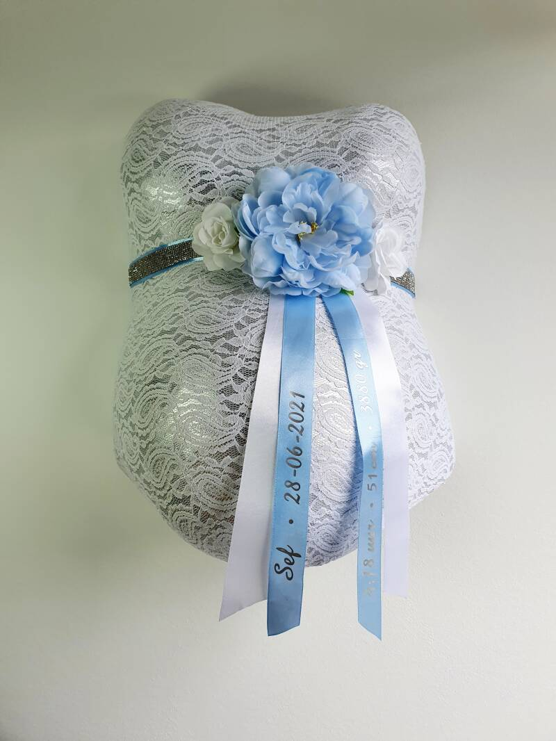 Baby Belly Forever - Shiny baby blue & White flowers