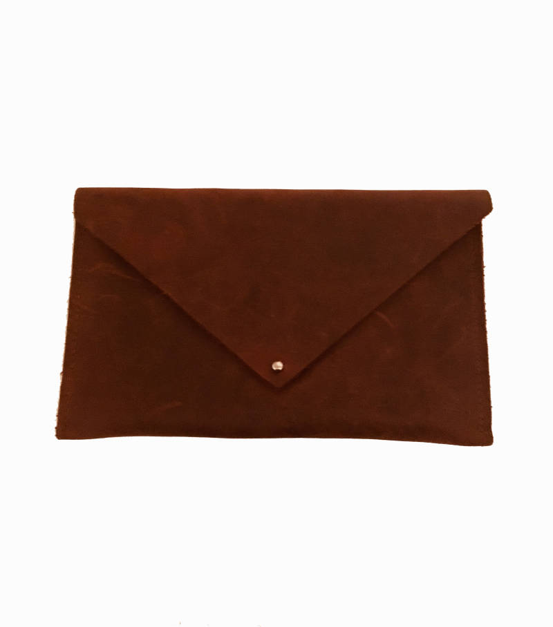 CLUTCH BROWN