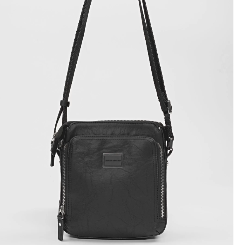 ANTONY MORATO MESSENGER BAG IN FAUX LEATHER WITH BELLOWS POCKET ZWART