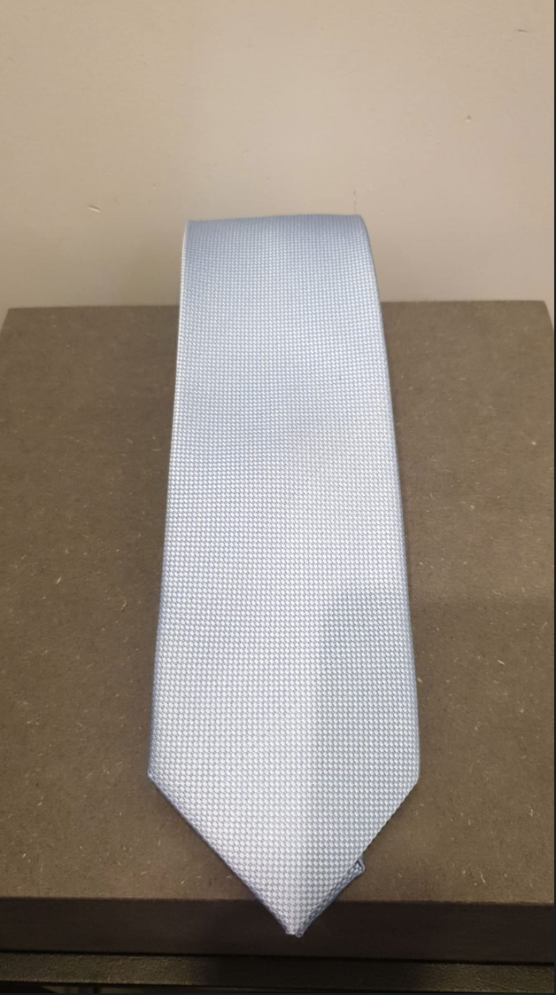 SILK TIE IN 5 DIFFERENT COLORS