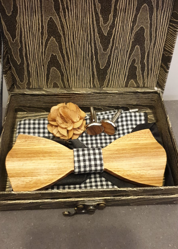 WOODEN BOW TIE SET