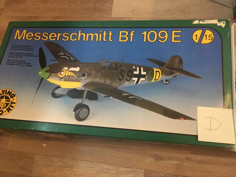 Messerschmitt Bf109E Flying Styro Kit incl CO2 motor 1/15 model D