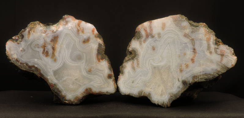 Agate pair, unpolished from Morocco - cabinet size
