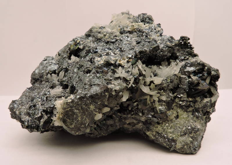 Hematite and quartz from Italy - cabinet size