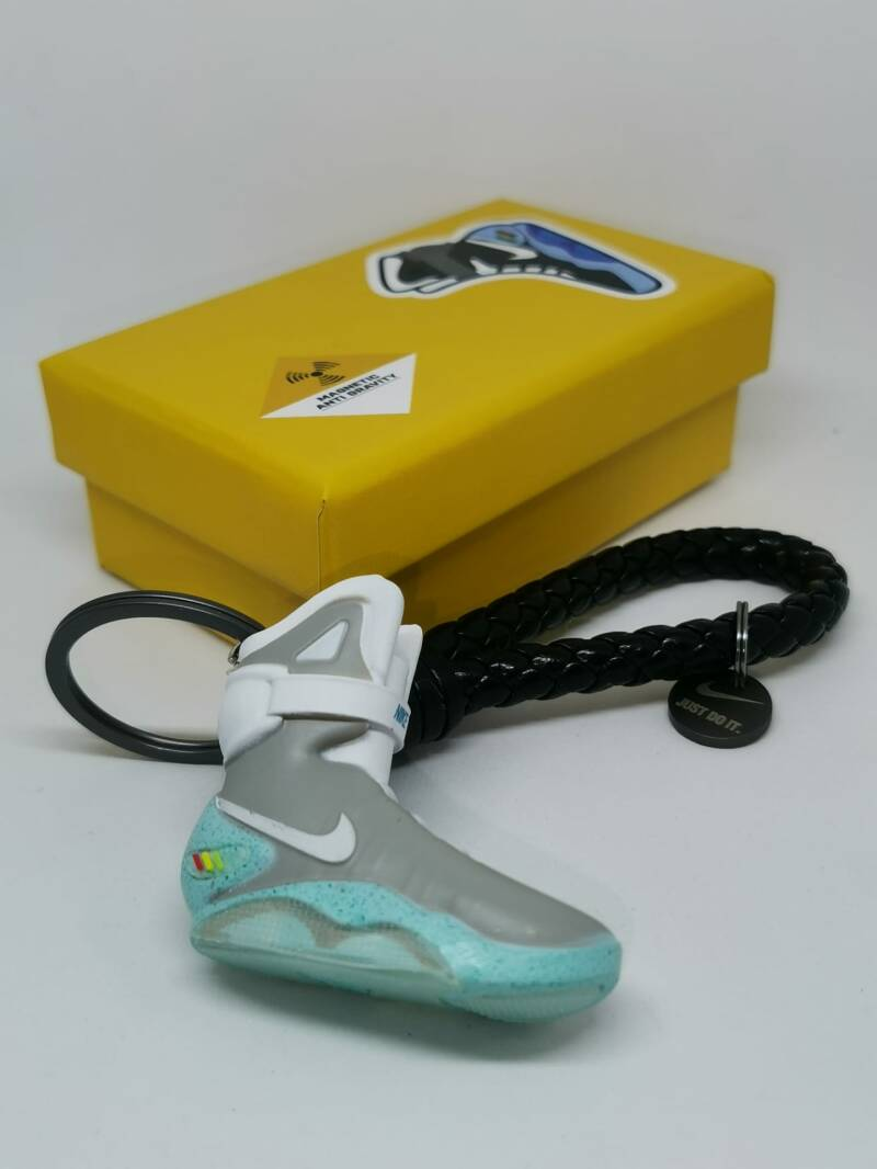 """Nike Air Mags """"Back to the future""""  keychain"""