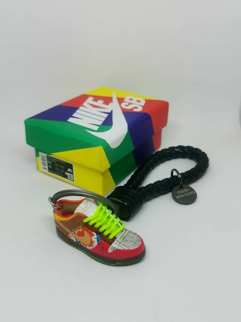 """Nike SB dunk low """"What The Dunk"""" keychain"""