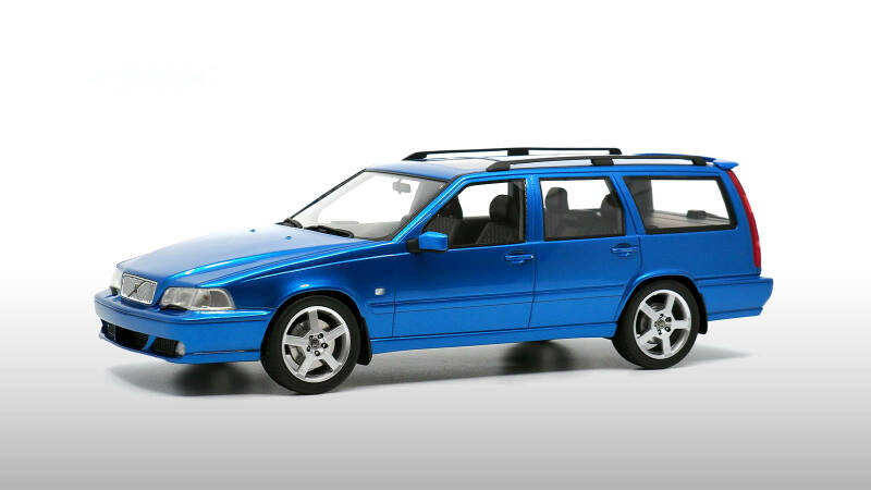 Volvo V70 R AWD Laserblue - DNA Collectables