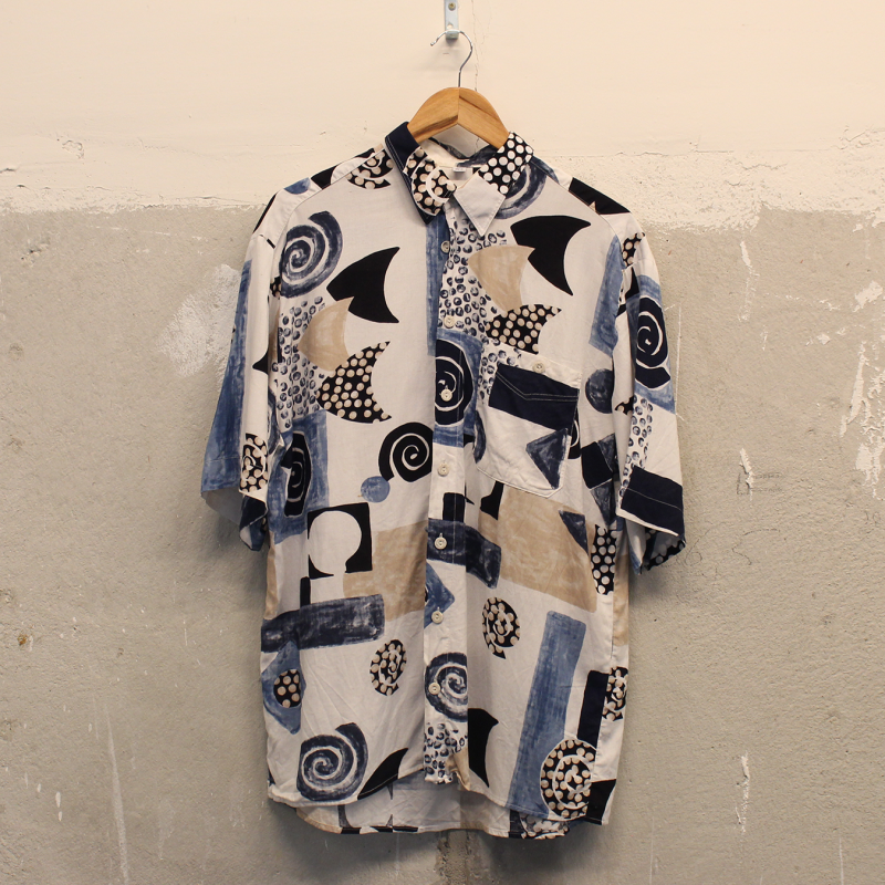 A23. Crazy shirt - men's L