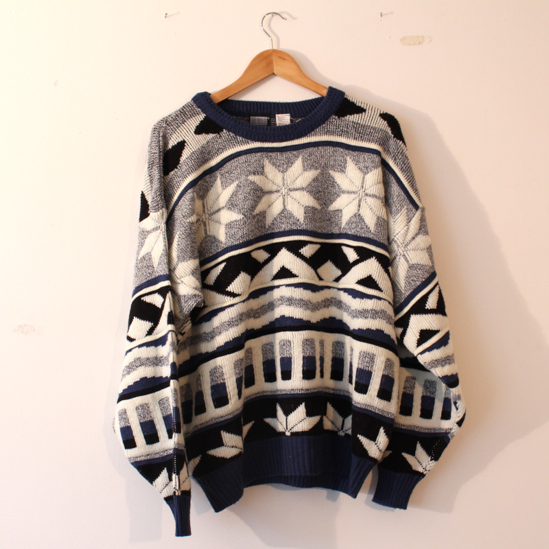 F1. Nordic style sweater - size XL